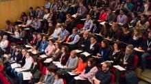 """Participants a una edició de B·Debate, iniciativa de Biocat i l'Obra Social """"la Caixa"""""""